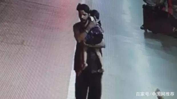 残忍!印度3岁女孩火车站熟睡被绑架,遭两名恋童癖轮奸身首异处