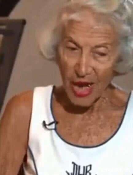 """积极尝试生命中的各种可能!91岁的""""年轻人""""打破世界纪录"""
