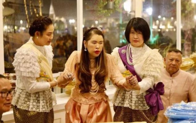 62岁泰国公主坐轮椅出席活动,坎坷悲惨,生在帝王家不得不低头!