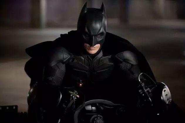 豆瓣8.9,DC暴力爽剧,蝙蝠侠管家重磅来袭!