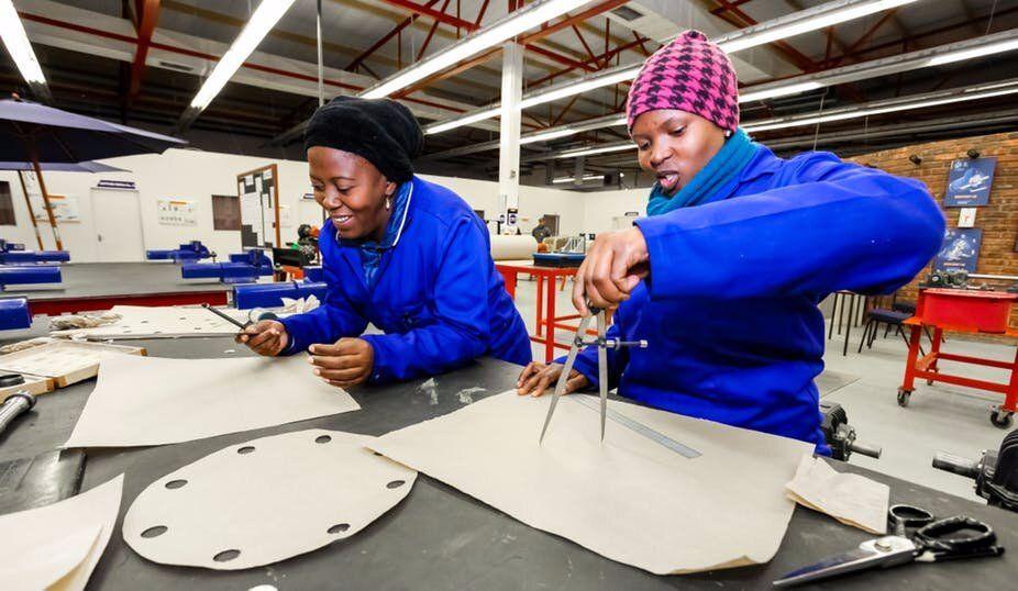 第四次工业革命可能会让女性落后:女性从中受益的可能性比男性小