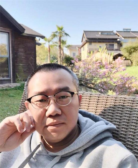 涂磊就不当行为道歉,却难服众,怕是对道貌岸然有误解?