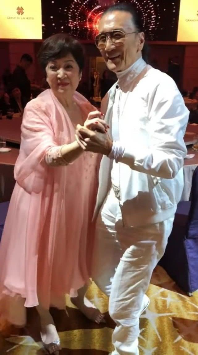 82岁谢贤将与前妻甄珍在巴黎复婚?甄珍本人亲自做出回应! 作者: 来源:素素娱乐