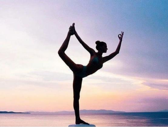 高质量的轻奢甄爱,缔造工作生活的轻盈平衡感