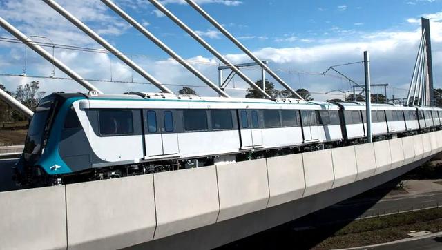 澳洲无人列车首日频发故障,竟是印度造!老外:看看中国制造