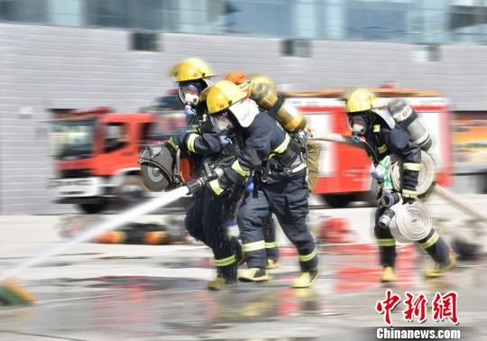 <b>甘肃消防机关干部回炉锻炼:寻初心强担当</b>