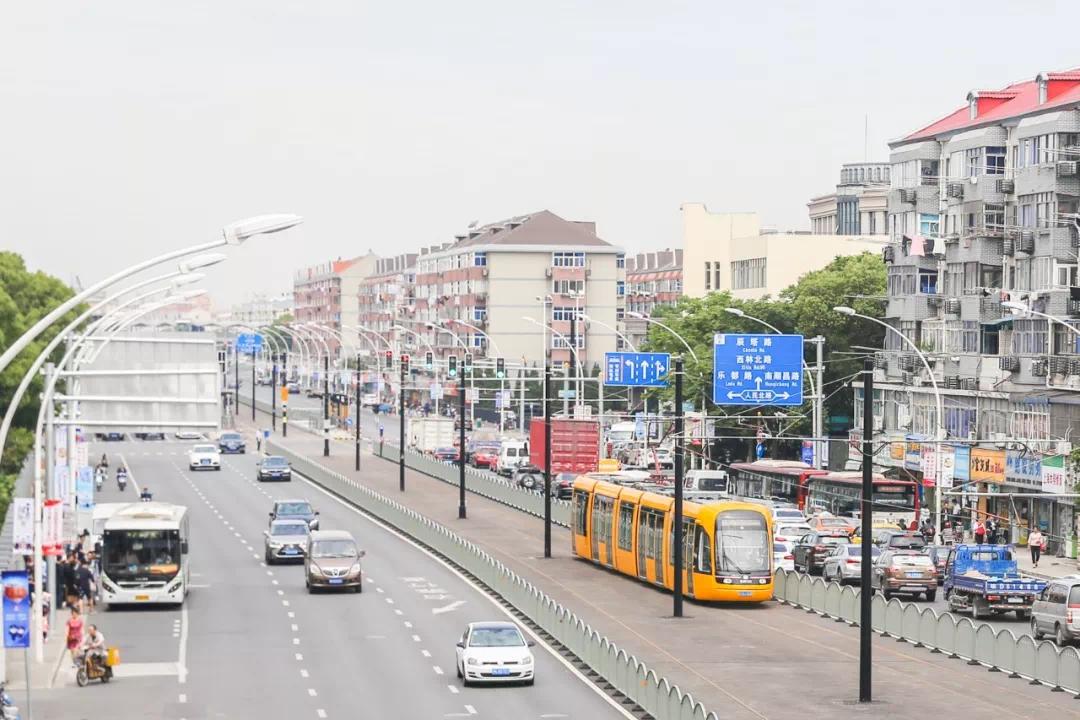 松江有轨电车1号线周六开通初期运营,票价、站点、换乘看这里!