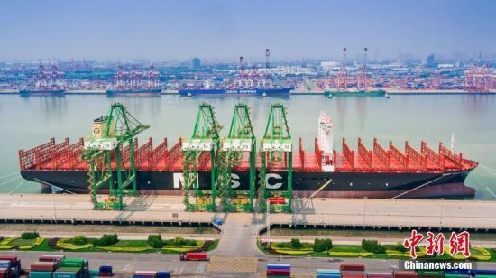 海关总署:前7月中国外贸进出口总值同比增4.2%