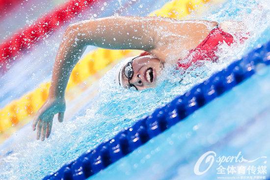 游泳世界杯闫子贝夺冠 霍苏拉普赛斯莫洛佐夫皆折桂