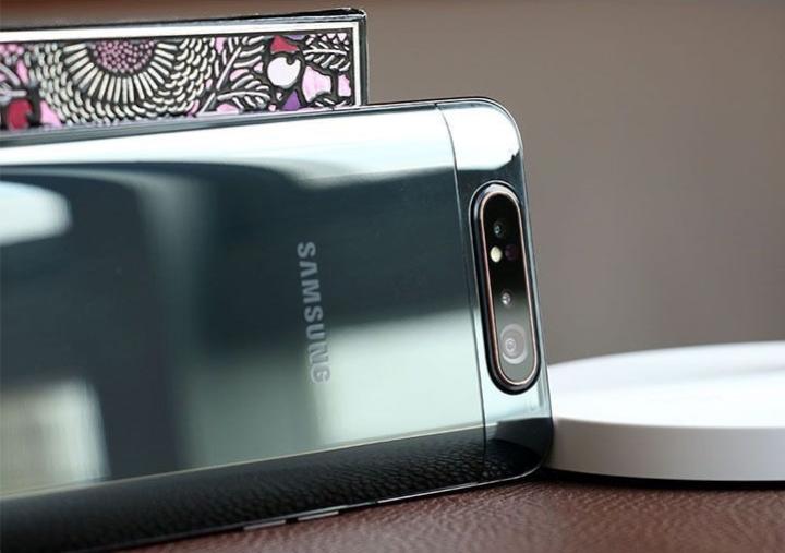 180度炫转三摄,旗舰级拍照效果,三星Galaxy A80评测_设计