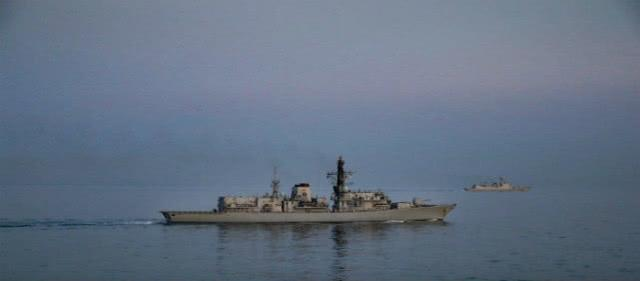 谁说航行自由是西方特权?国产战舰再穿敏感海峡,老牌强国没声了