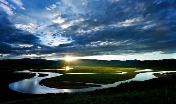 独一无二的黄河九曲第一湾,惊艳了全世界....