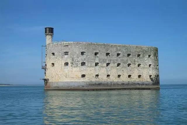 最自由的监狱,没有狱警看守,现在成了旅游和极限爱好者的场地