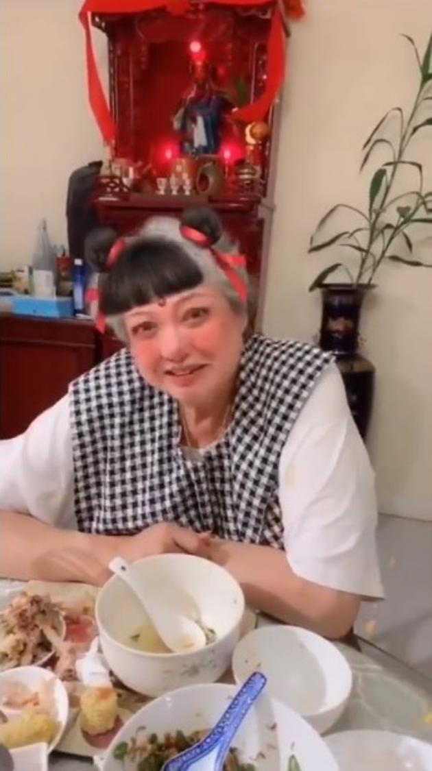 67岁洪金宝减肥成功 大玩哪咤特效超可爱