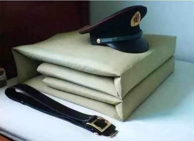 """解放军和印度士兵的卧室解压暗码大相比:解放军叠""""豆腐块"""",印军呢?"""