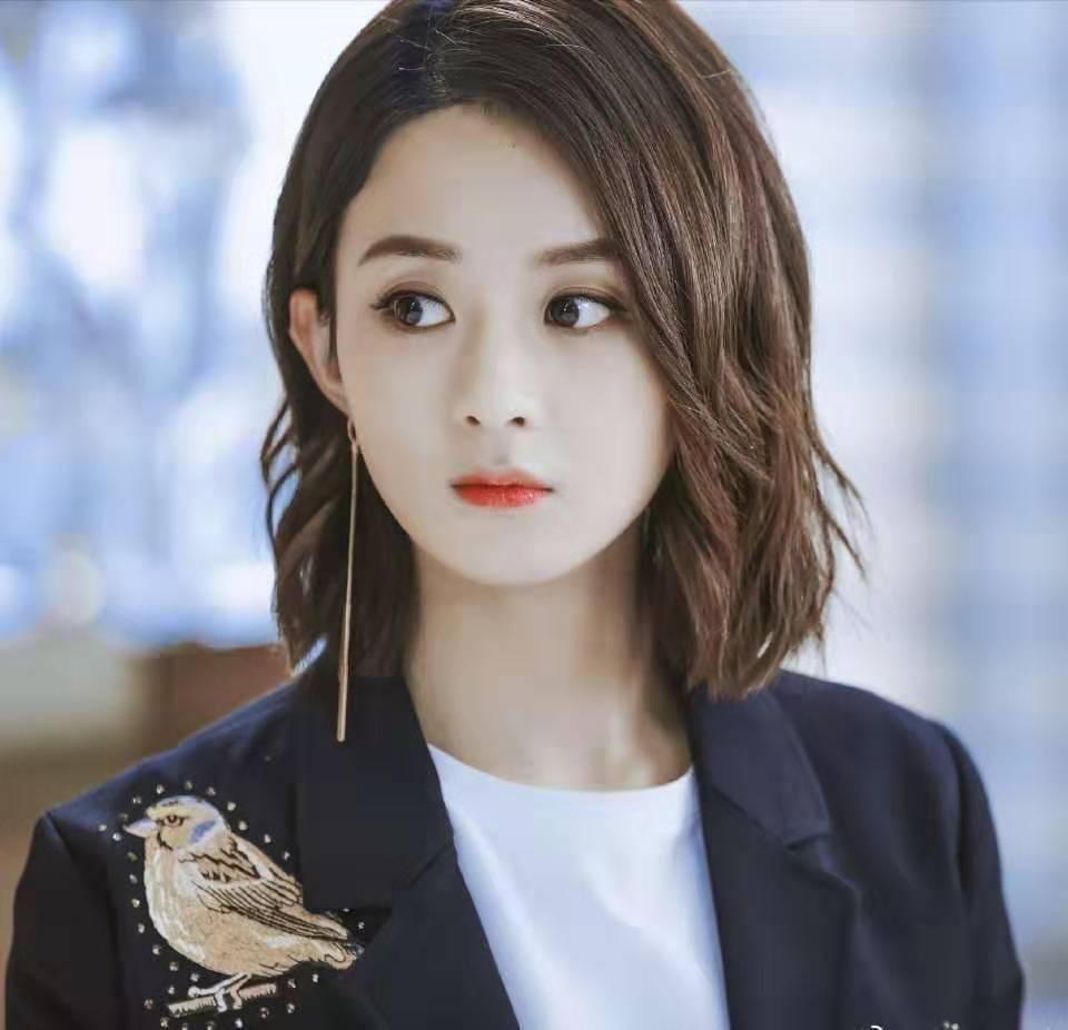 穿西装最飒的女星,刘亦菲,杨幂,赵丽颖在榜,看到她表示太服气