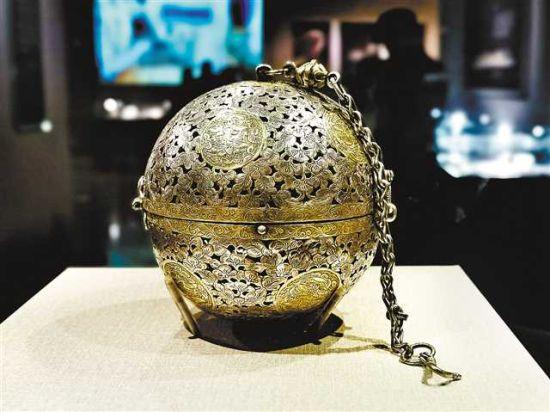 法门寺地宫出土皇家文物首次在渝亮相
