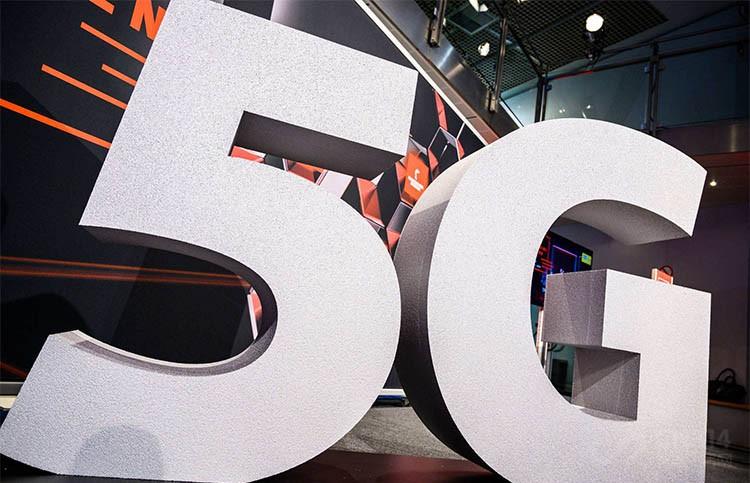 "<b>手持华为Mate20 X(5G)暗访重庆5G体验馆:""5G""真的在我们身边吗?</b>"