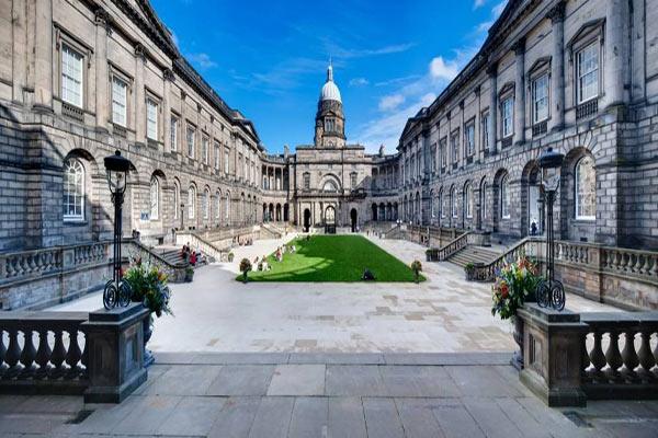 爱丁堡大学学费一年预估需要多少?