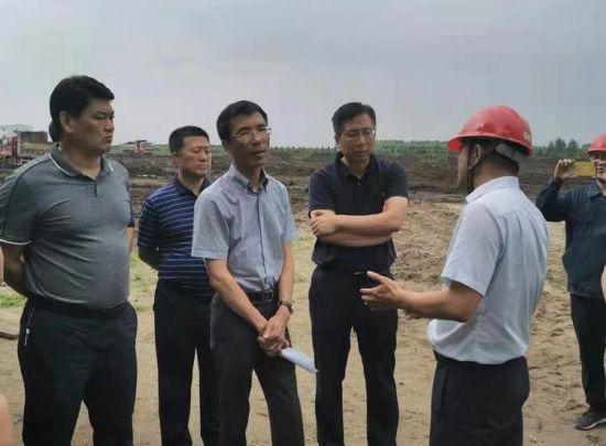 哈市阿城区委副书记、区长李成志同志到重点产业项目现场办公