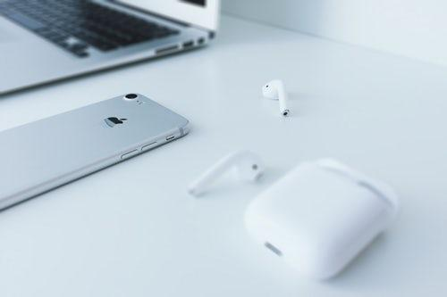 原创曾发you tube嘲笑苹果,如今却被自己的产品打脸,已低调删除