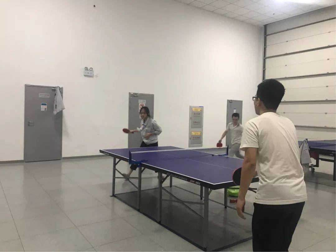���+��#�.b9/&��+_b9乒乓球协会于8月8号午休时间进行第一次乒乓球公开课,由教练现场