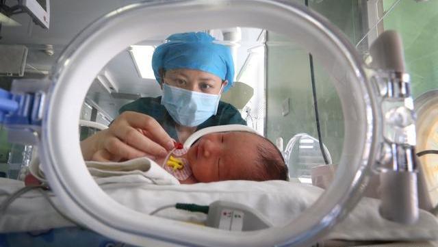 """怀孕后为了胎儿健康,孕妈尽量少做三动作,太""""坑""""娃"""
