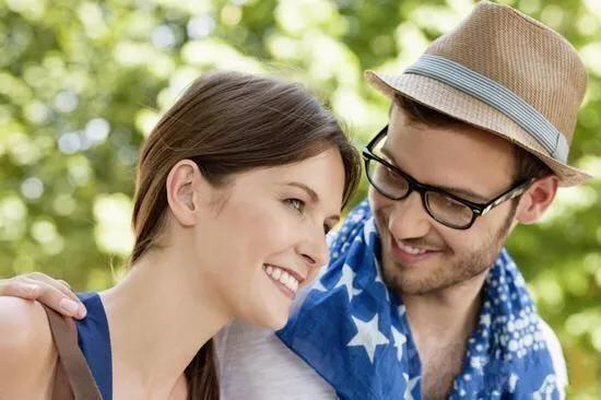 女人口男人的表现_男人越大女人越喜欢吗