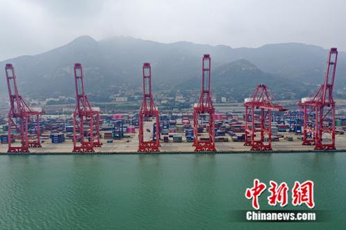 江苏连云港:深水大港与中欧班列的无缝对接