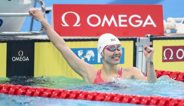中国泳坛第一美女霸气夺冠!50仰破世界杯纪录,弥补世锦赛遗憾