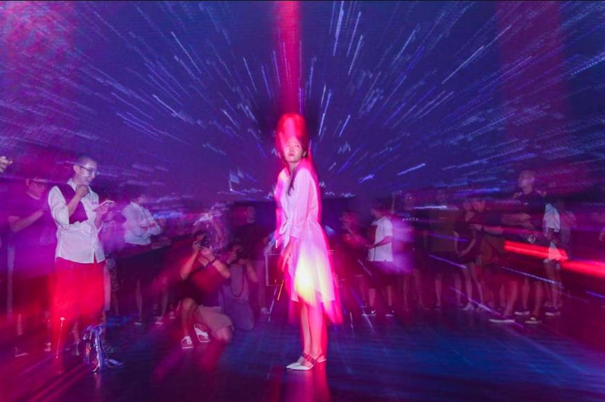 """孙大威助阵音乐光影艺术展《九宫矩阵》 带来""""看得见的音乐"""""""