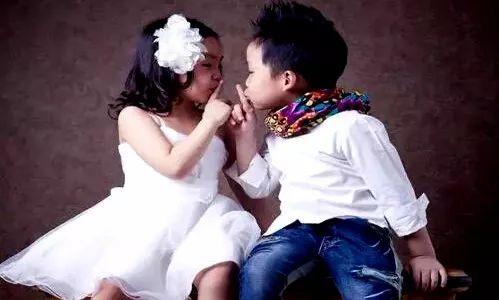 我和姐姐xxoo_姐姐和弟弟的组合,相信是很多父母心目中最理想的二胎模式.