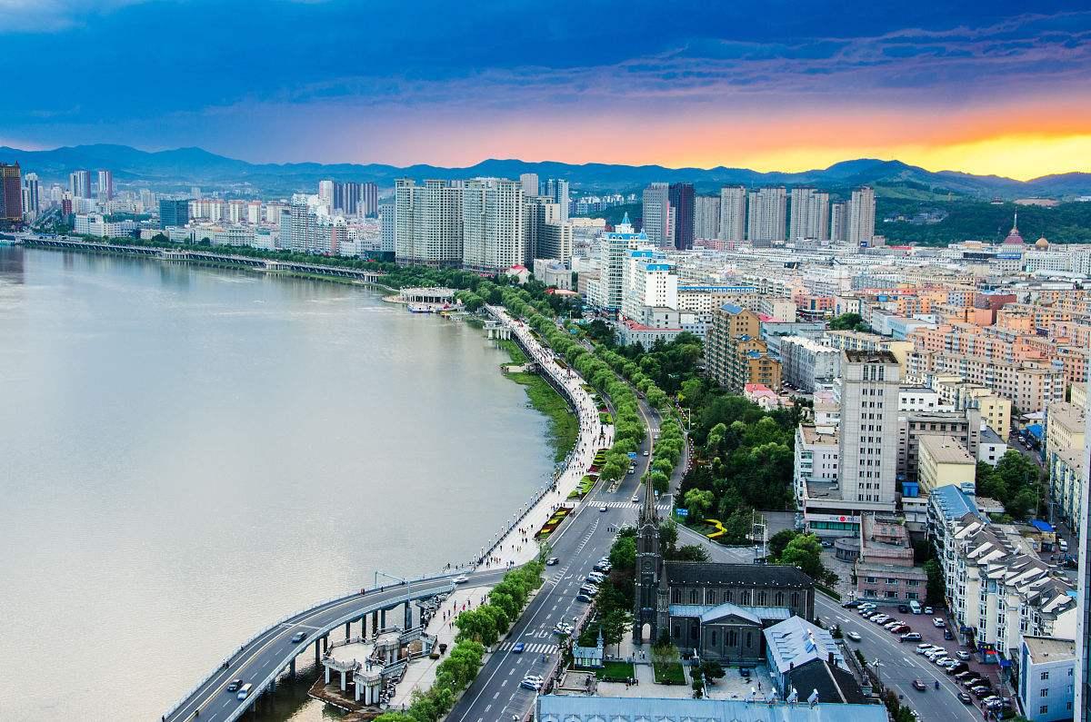 全国经济总量前二十名的城市_全国经济总量增长图片