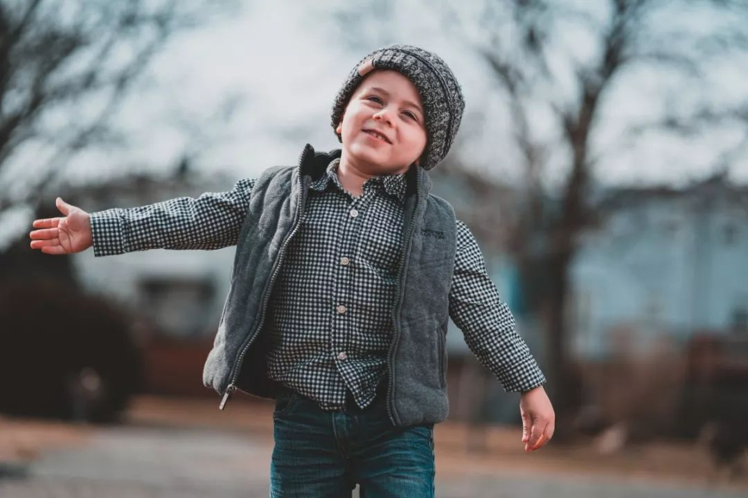 <b>3岁暖男打脸百万巨婴:你什么脾气,孩子就什么命运</b>