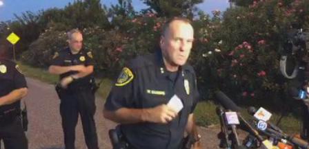 美国德州一路人撞见枪杀案 被迫与嫌疑人交火