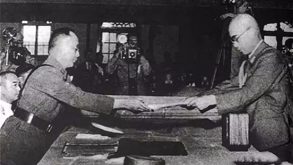 <b>共产党执政前的中国是什么样的?</b>