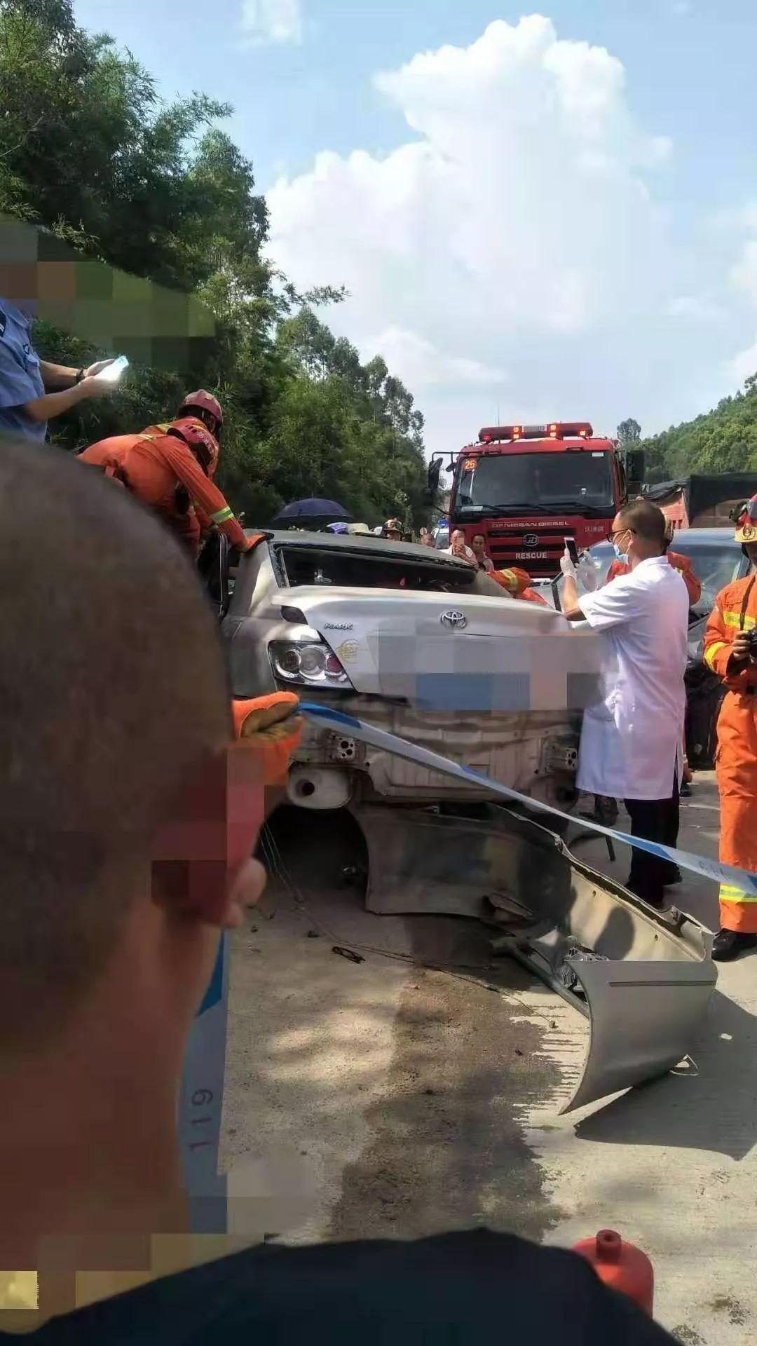 【网友爆料】2019年8月9日在陆河河口云峰电站路口发生一起较严重的图片