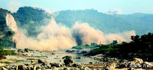 志愿军一次活埋5辆美军坦克,指挥员面如土色