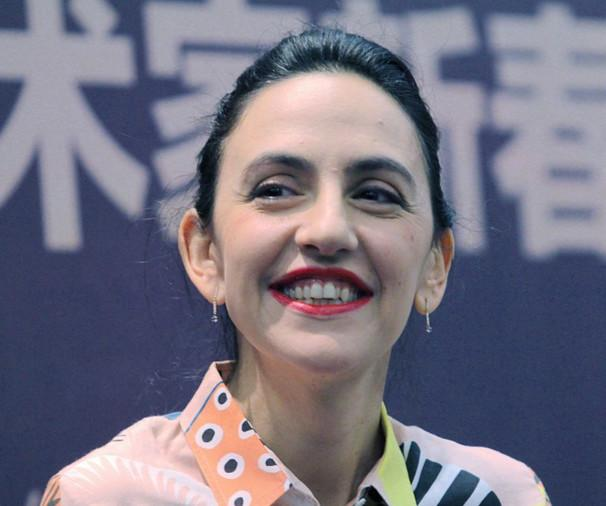 外国女人显老?谢娜还嫩的像少女,刘烨老婆怎么就满脸皱纹了?