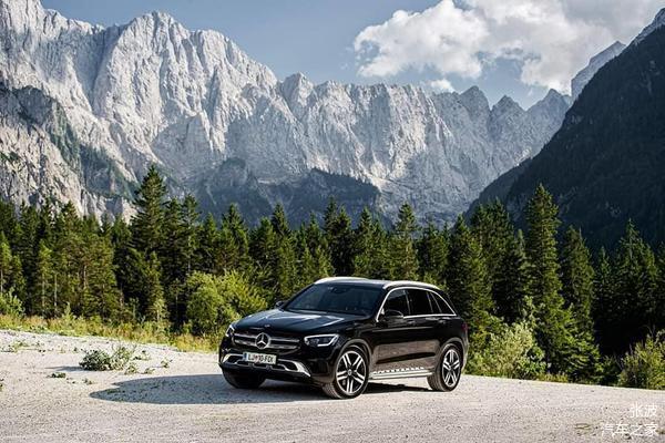 全新奔驰GLC级海外实车,黑色车身设计_车家号_发现车家生活_车家