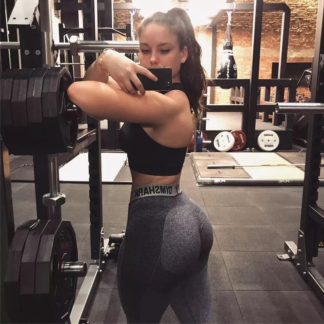 最骚女人b_同样是健身,为什么你这么骚?
