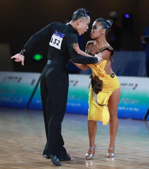 """二青会体育舞蹈项目,北京代表团奖牌""""拿个遍"""""""