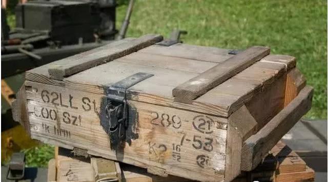 为什么装子弹的弹药箱都是木质?原因其实很简单