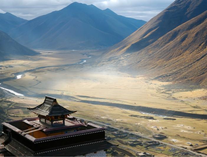 西藏旅游游戏上半年三国同比扭亏146.75%视频战记双人通关大增净利图片