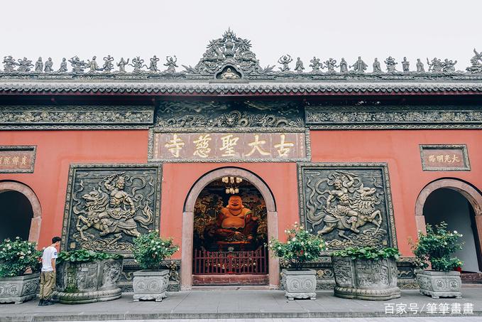 """中国最""""萌""""的寺庙,数个沙弥塑像吸引游客,已有千年历史"""