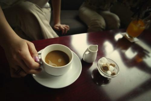 咖啡提神又醒脑,但长期大量服用伤心毁胃还失眠,建议少喝为妙