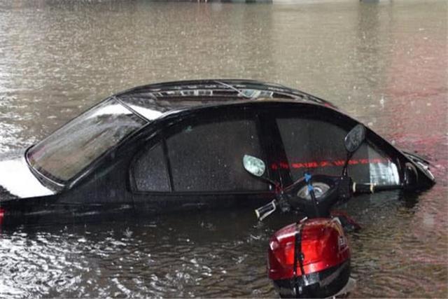 """浙江台风""""利奇马""""的到来,揭开了新能源车的,一块""""遮羞布""""!"""