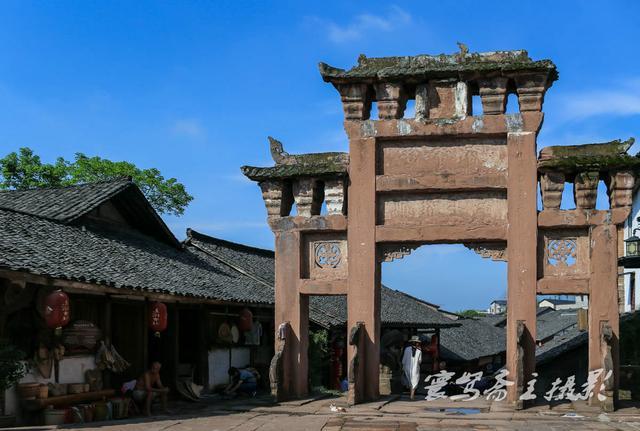 炎炎夏日来到四川尧坝古镇,没想到这个川南最热闹的古镇却如此的冷清