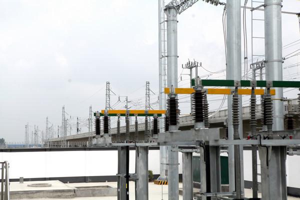 阜阳:首条高铁牵引站外部220千伏供电线路启动送电_建设