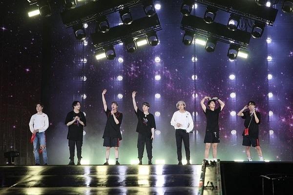 防弹少年团再添两首播放量破5亿MV 出道六年初次休长假【组图】